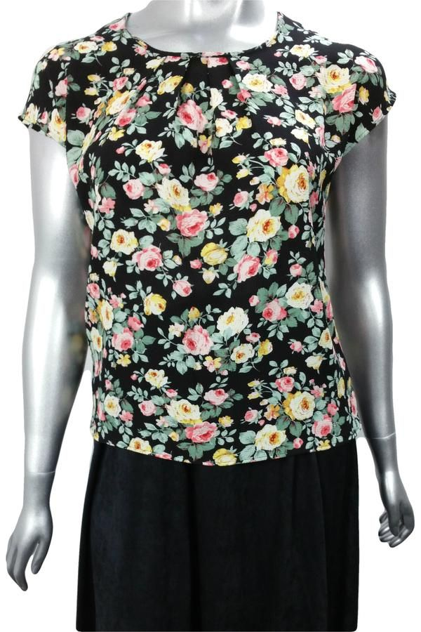 Cap sleeve work blouse with pleated neckline in vintage rose pattern