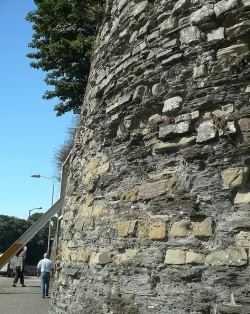 A very brief potted lens on the history of Cardigan Castle in West Wales. Image courtesy eddiemcfish Records show that the market town of Cardigan...