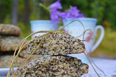 Citromos mákos keksz - paleo  10 dkg finomra darált mandula 5 dkg kókusz reszelék 5 dkg darált mák 1 tk. sütőpor (gluténmentes) 1 nagy tojás 5 dkg kókusz olaj 8 dkg Sukrin (édesítő) 3 ek. citromlé 1/2 bio citrom reszelt hája