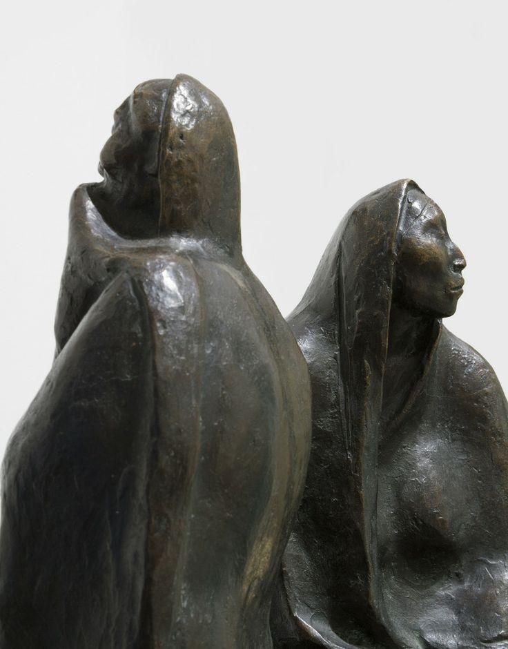 Madre e Hija Sentadas image 7