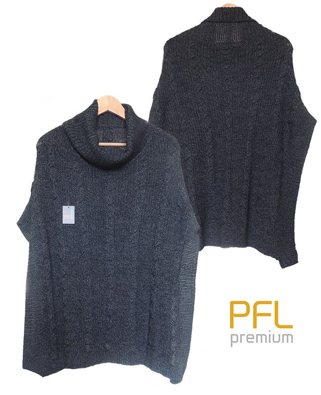 PFL knitted cape dark grey with turtleneck collar and a classic cable structure, rib structure at the edges and bufallo horn rings The cape is made in a wolblend of alpaca and acrylic warm for a warm and comfortable feeling.