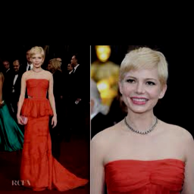 Michelle Williams looks amazing!