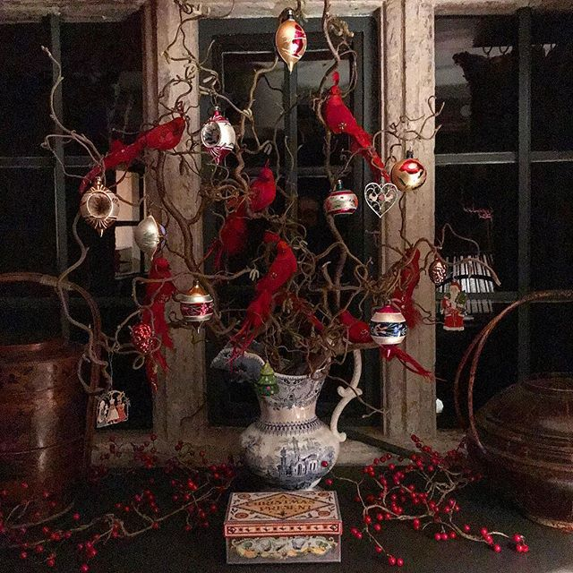 Study window Christmas decoration, the glass baubles have a sentimental value as they date from the early 1950's & my parents first Christmas together #athome #christmasdecorations #christmastimeiscoming #sentimental #vintagechristmasornaments #lookingback