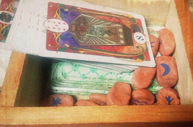 runas y cartas gitanas