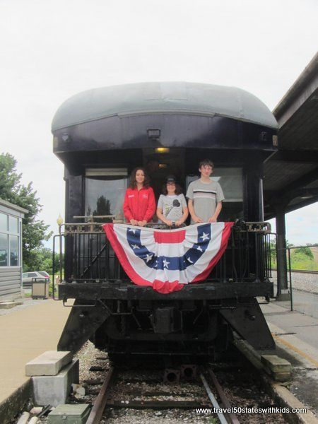 All aboard! This historic train depot in Bowling Green, Kentucky, is now The Historic Railpark & Train Museum. Explore the museum exhibits, then take a tour through several historic train cars. See a Pullman sleeper, a dining car, and even a post office car. Perfect for train enthusiasts. #familytravel #kentucky