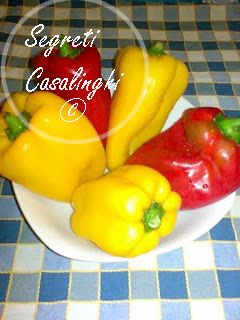 ricetta peperonata olive capperi acciughe, peperoni con acciughe capperi olive,peperonata, ricetta peperoni con olive e capperi,ricette verdure,