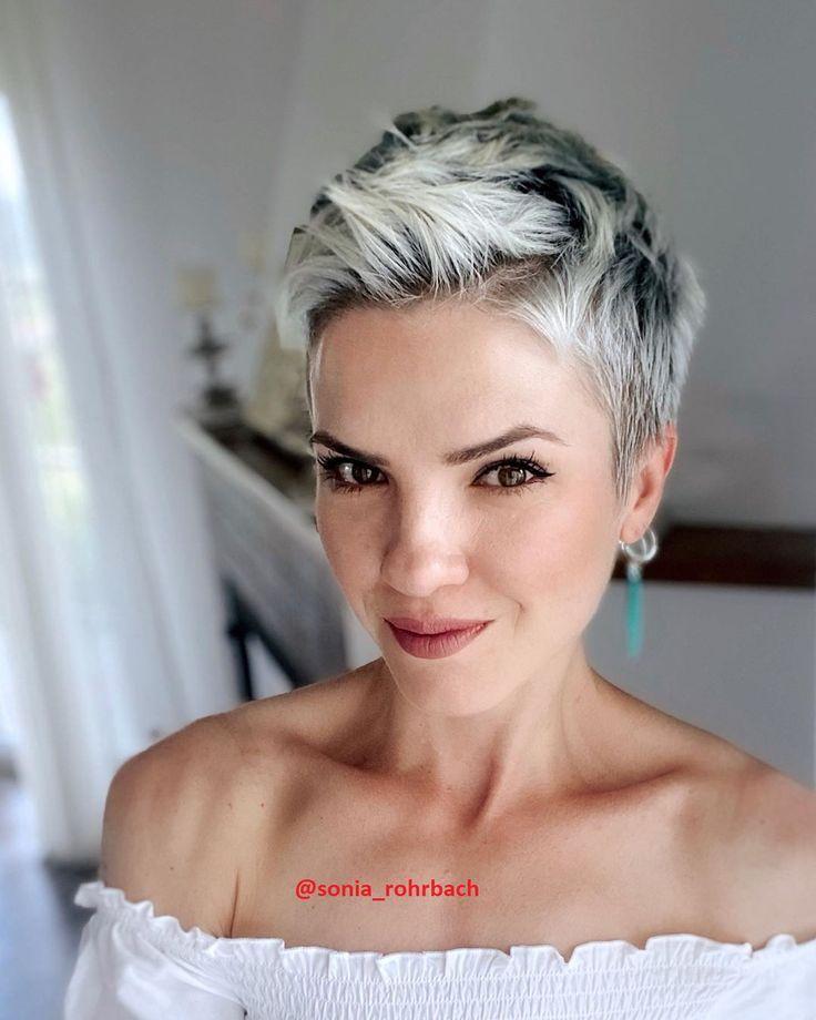 Vor- und Nachteile bei Platinblond - Frisuren für die Frau