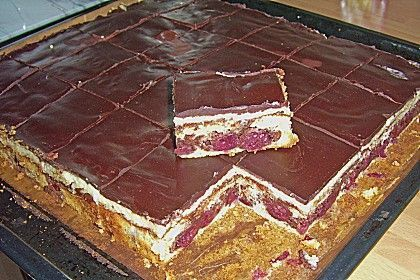 Schneewittchenkuchen, ein schmackhaftes Rezept aus der Kategorie Backen. Bewertungen: 71. Durchschnitt: Ø 4,2.