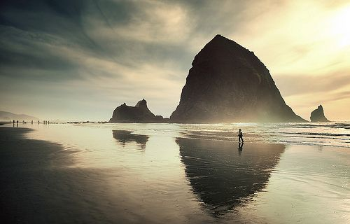 Cannon Beach, so lovely. I'll be there this weekend in fact :)