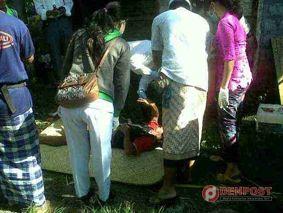 Mayat Buruh Ditemukan di Kandang Ayam - http://denpost.imediamu.com/2015/04/02/mayat-buruh-ditemukan-di-kandang-ayam/