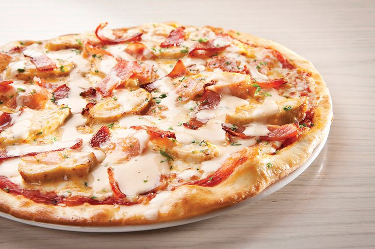 Saucy Gourmet - Club Deluxe. Roast chicken, bacon and ham, smothered in our sweet-chilli mayonnaise | Panarottis http://www.panarottis.co.za/ourmenu/pizza