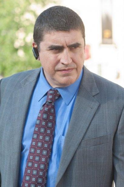 Alfred Molina è Burton