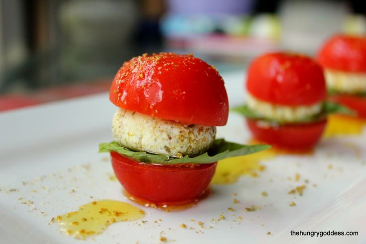 Lemon Goat Cheese Caprese with Fennel Pollen by Chef Alex - great for holiday appies! #hgeats