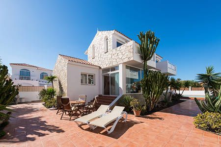 Kolla in det här härliga boendet på Airbnb: Casa Velero,100m de la playa. i Corralejo