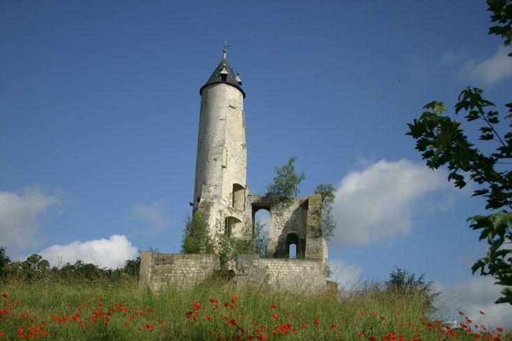 Le donjon de Bruay-la-Buissière.