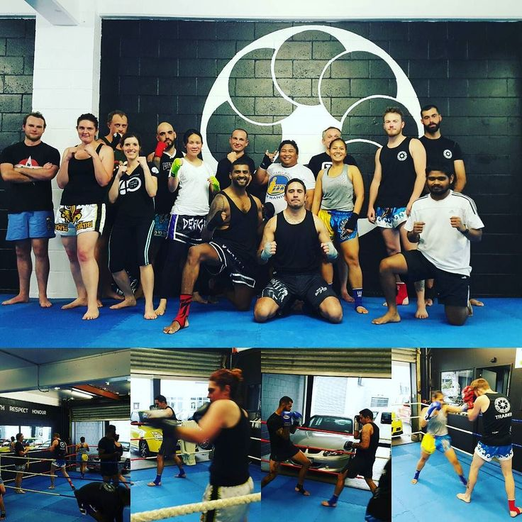 First full class of 2017! Awesome to see a couple of new faces and ones that have come back. Haha! #CRMT #combatroombaybay #combatroommuaythai #headrushfightgear #muaythai #kickboxing