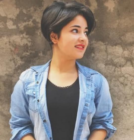 Take a Look At The Cutest Pictures of Zaira Wasim, The Young Geeta Phogat In Dangal! - Indiansite