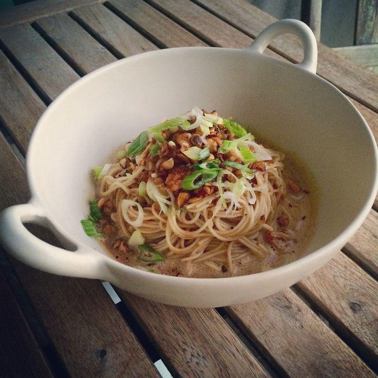 Dan Dan Mian. Dan Dan Mian - a Sichuan dish of thin noodles in a spicy sauce - is one of my most favourite dishes. - See more at: http://www.apurefoodkitchen.com/dan-dan-mian/