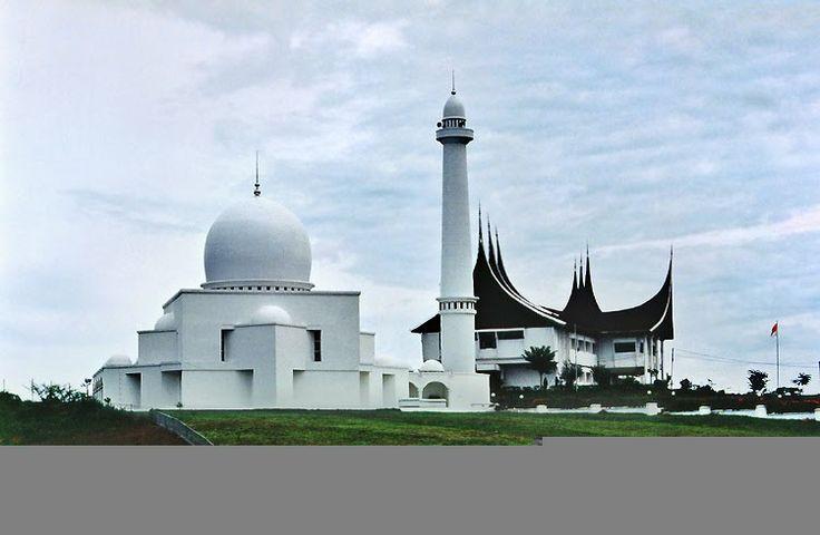 masjid pagaruyung batu sangkar west sumatera indonesia