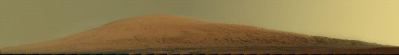 Aeolis Mons panorama seen in natural lighting (NASA/JPL-Caltech/MSSS)