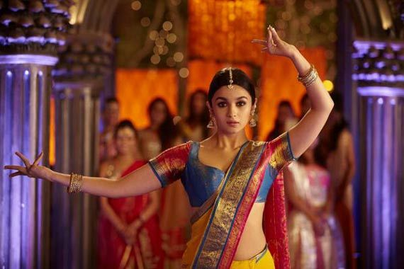 2 States movie review: Watch it, not just once, but twice