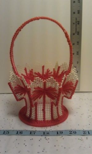 Crafts Chm00067 Plastic Canvas Red Decorative Basket