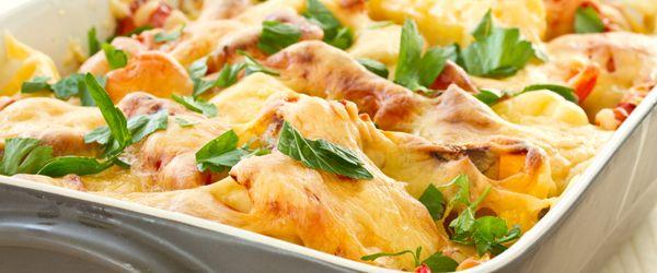 Cartofi feliati cu branza la cuptor