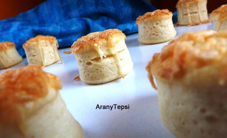 Sajtos-tejfölös minipogácsák