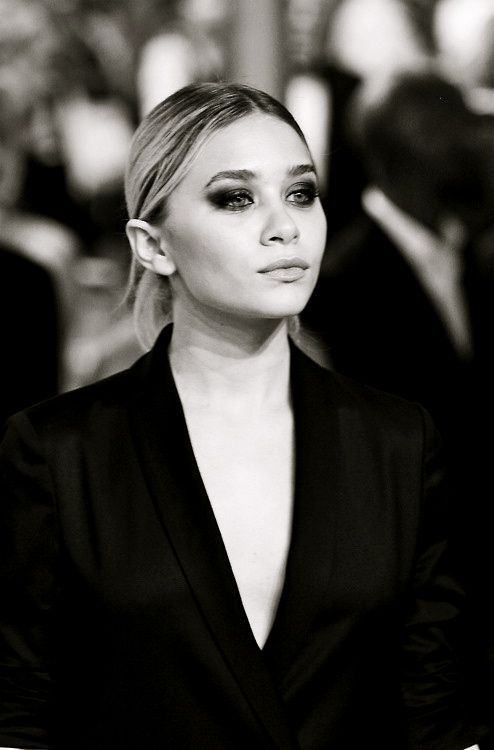 a tux and smoky eye is such a glamorous combo