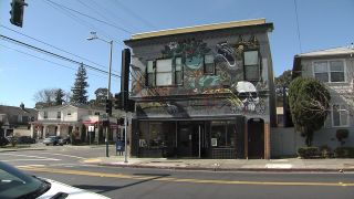 Oakland Coffee House Bans Police Officers
