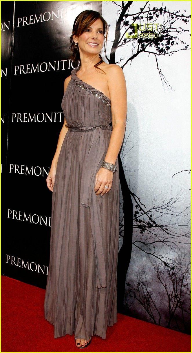 Sandra Bullock at Premonition premiere (2007) - Lanvin