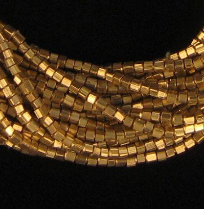 245 latón Metal mini-cubo granos - latón - joyería que hace fuentes - espaciadores de Metal pequeña ** (MET-CUB-BRS-128)