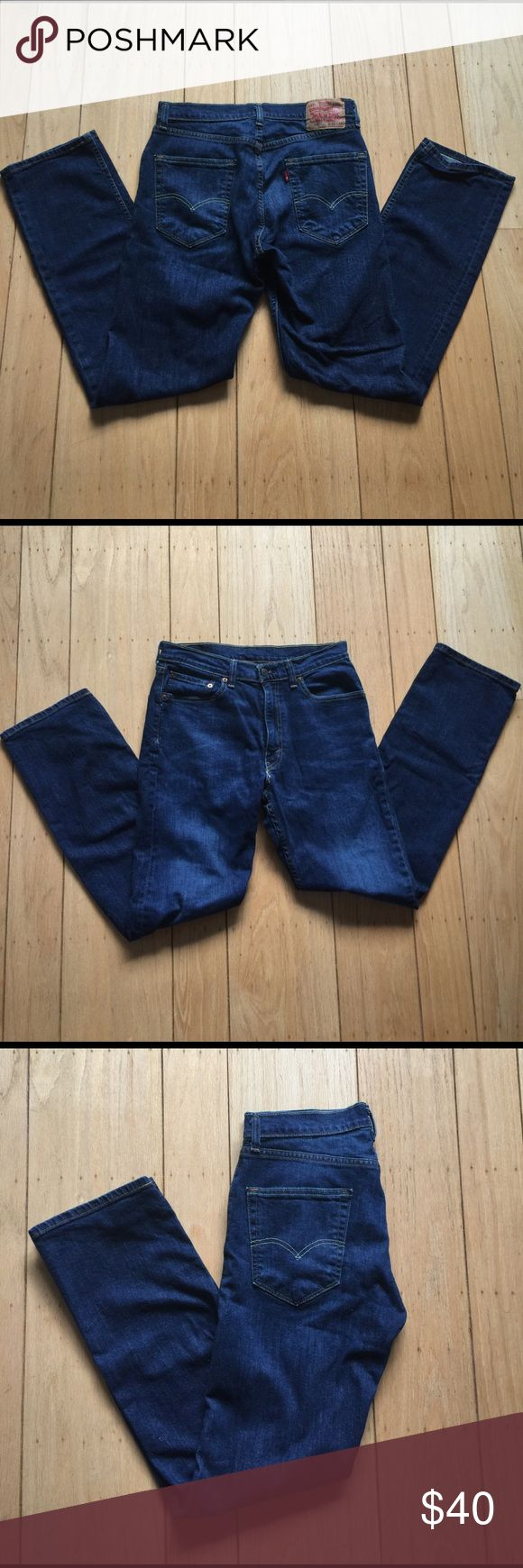 Men's Levi Jeans Men's 505 Levi Jeans. Size 32x32. Dark wash and in like new condition. Levi's Jeans Straight