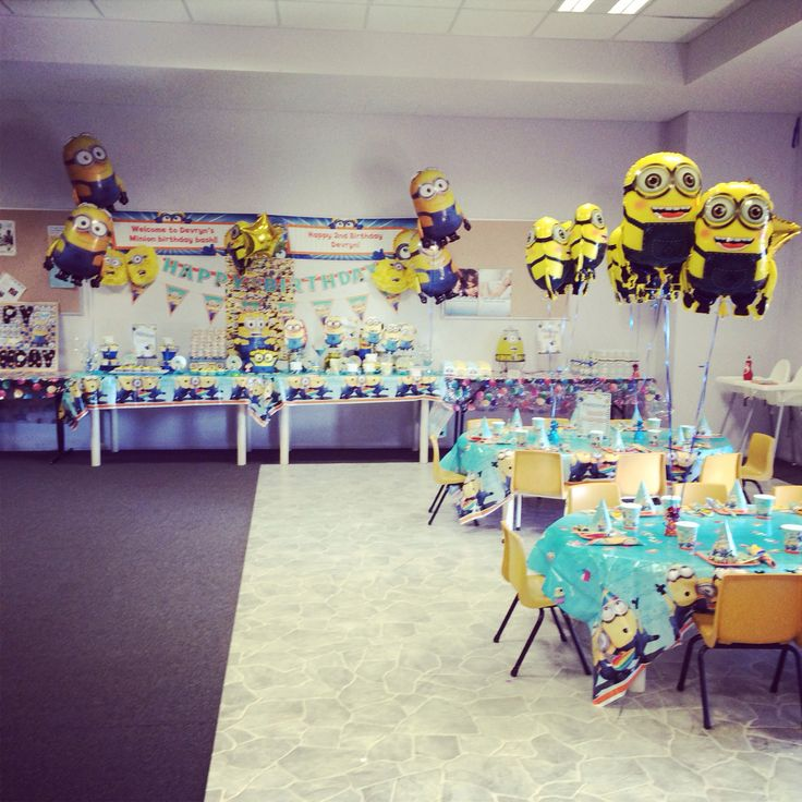Minion birthday set up