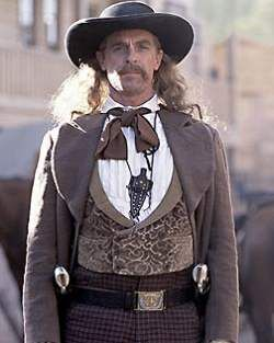 Wild Bill Hickok (Keith Carradine dans Deadwood).