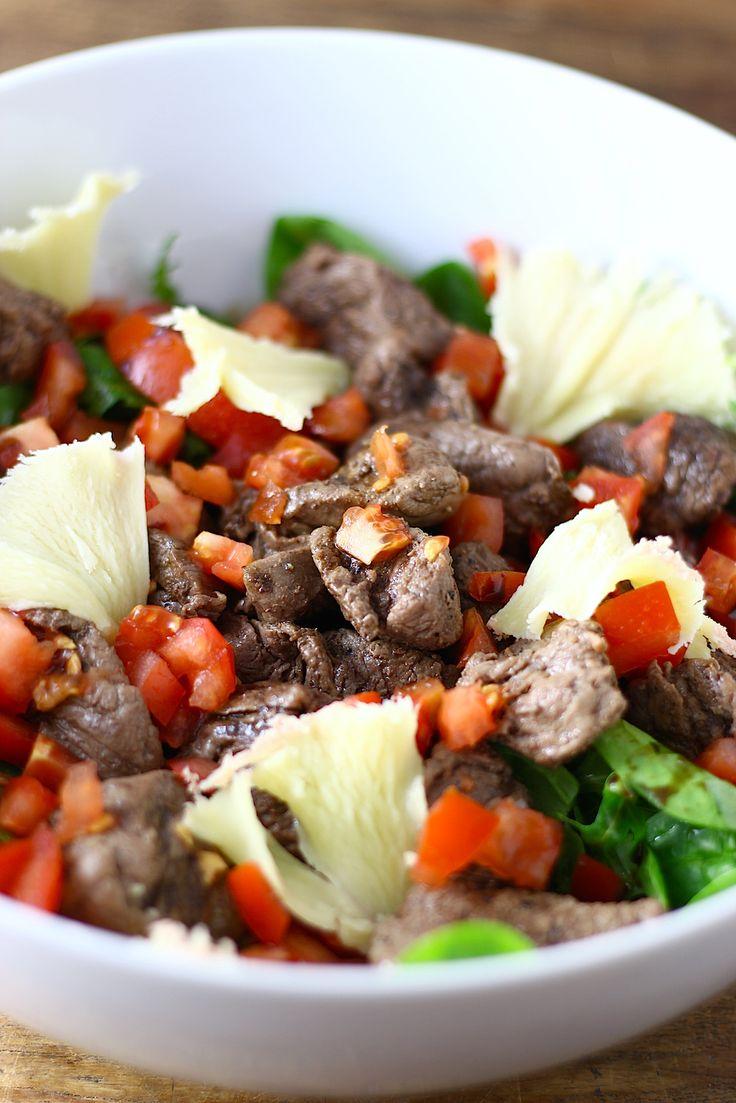 Salade met biefstukreepjes en Tête de Moine // Francesca Kookt