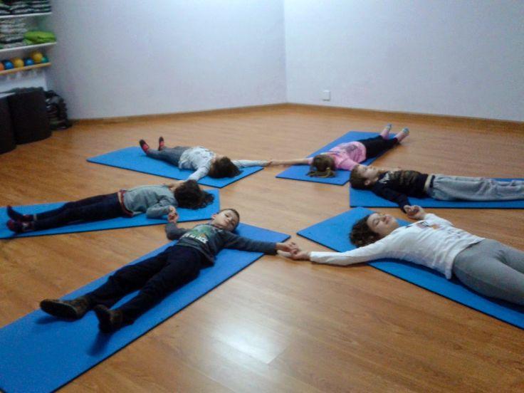 Mandala corporal. Yoga para niños. Kids yoga.