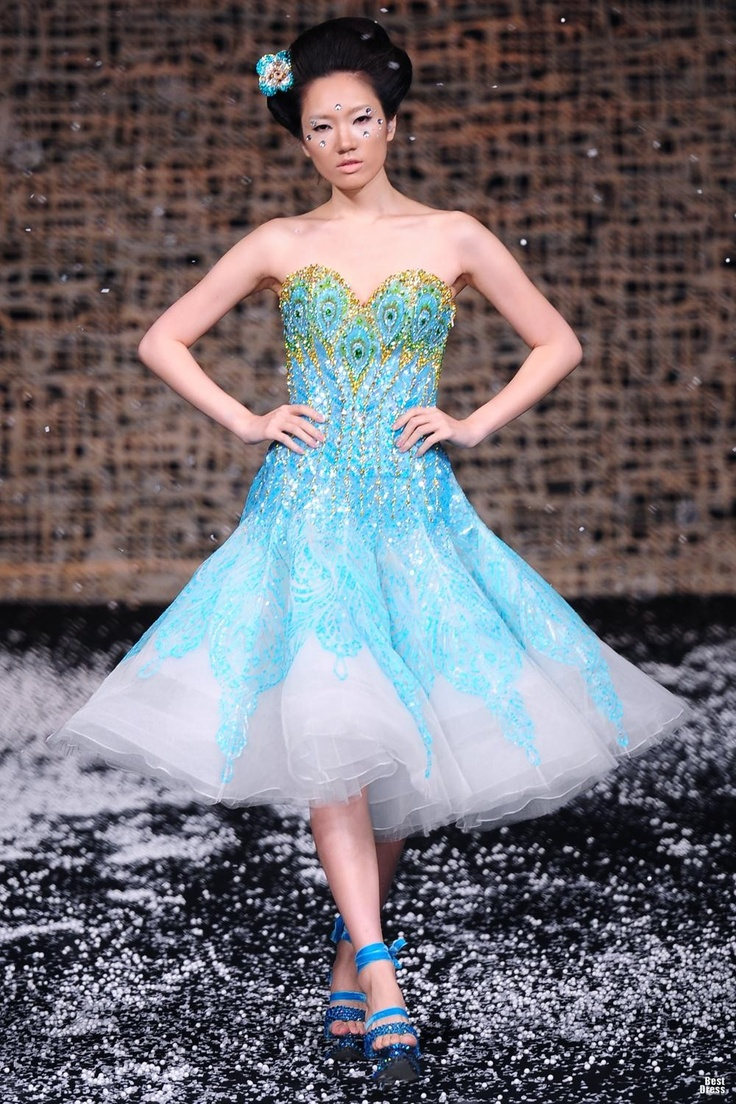 146 best Dream Dresses images on Pinterest | Wedding frocks ...