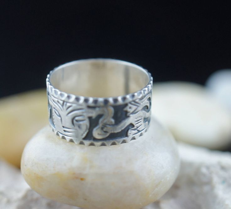 Vintage 900 Sterling  Silver Ring Size 7.5 hammered design wide face man Guatemala Art Deco Jewelry st153 by VintageEstate86 on Etsy