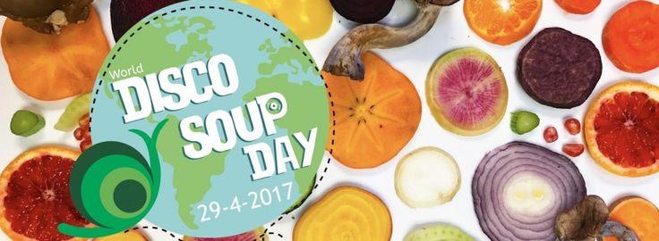 La Disco Soupe est un mouvement solidaire et festif qui s'approprie l'espace public et le rebut alimentaire pour sensibiliser au gaspillage alimentaire.