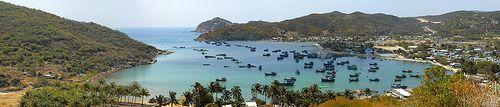 Panorama - Vinh Hy Bay