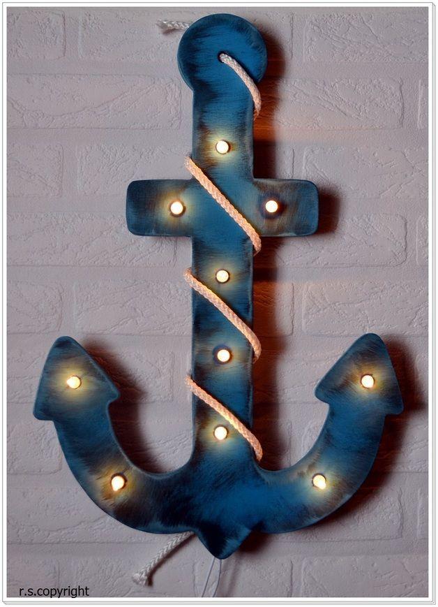 Anker-Lampe mit Schalter   Größe ca. 43 cm Hoch x ca. 31 cm Breit  Auf Wunsch auch in einer anderen Farbe.  Geschenkidee für kleine Piraten   Diese Wandlampe dient tagsüber als...