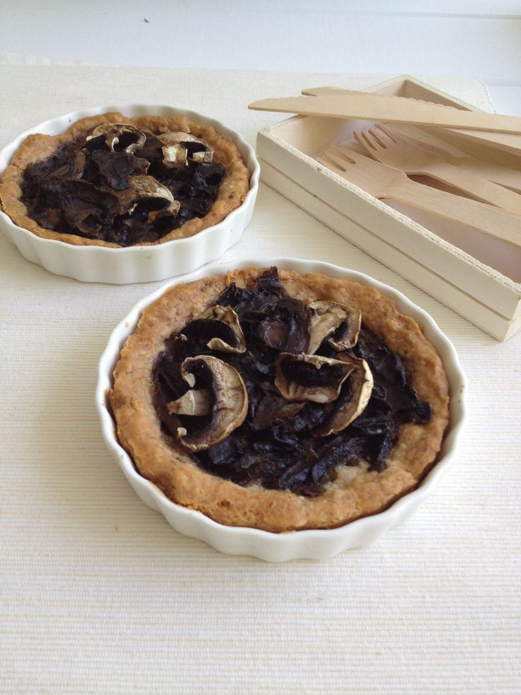 Mushroom pie http://www.instyle.gr/recipe/tarta-manitarion/