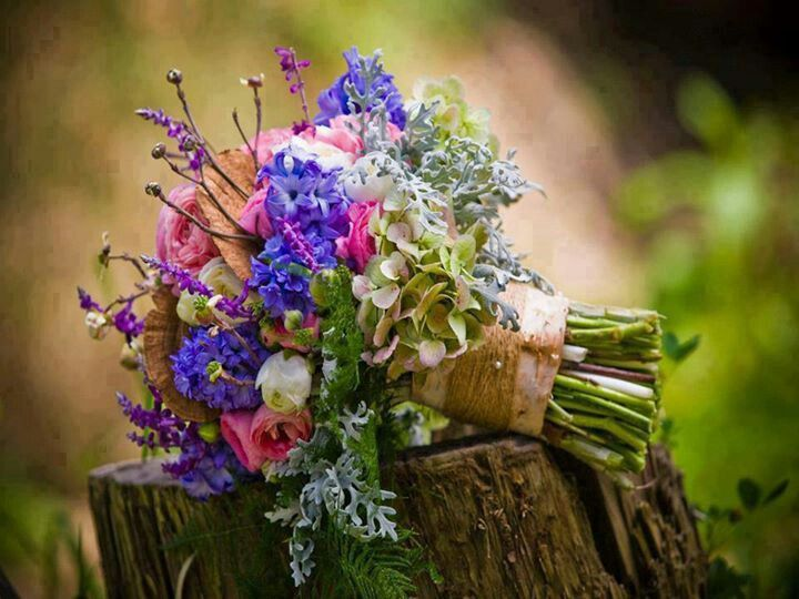 .wild-flowers, bright bouquet, loosely structured