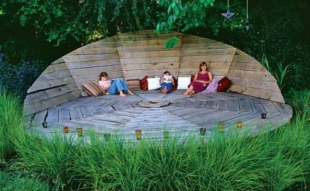Floating Deck with angled back wall.Gardens Ideas, Kids Spaces, Lounges, English Gardens, Outdoor Decks, Decks Chairs, Outdoor Spaces, Design, Backyards