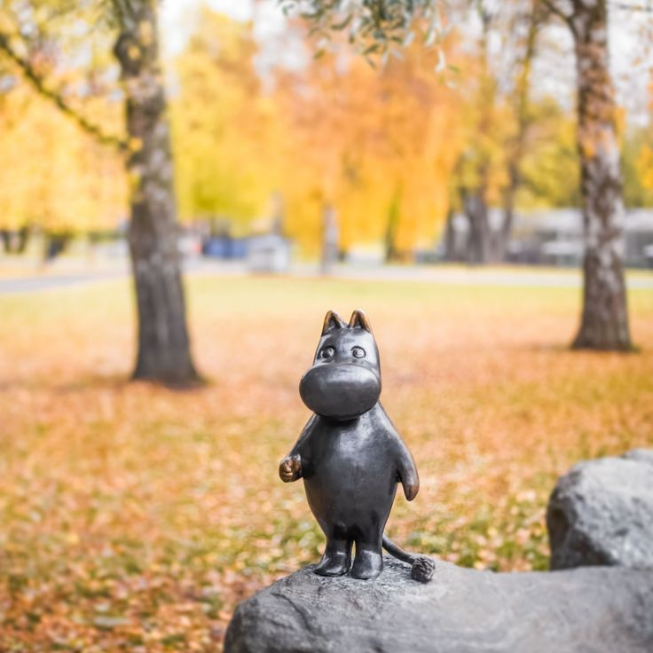 One of the most photographed statues in #Finland – and surely the most hugged one – is #Moomintroll in #Tampere. #Moomin #MoominMuseum - Visit Tampere (@VisitTampere) | Twitter