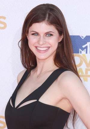 Alexandra Daddario is an American actress who has entertained viewers in both movies (like The Babysitters) and television (like It's Always Sunny in Philadelphia). Daddario is the main character in Texas Chainsaw 3D, in case one wishes to see her as close as humanly possible. Daddario has ha...