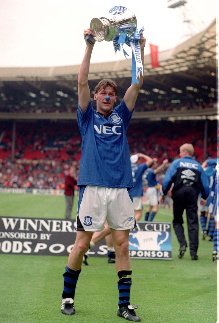 Everton's Duncan Ferguson celebrates the FA Cup Final win over Manchester United in 1995.