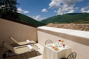 Balcony at Palazzo Seneca in Norcia, Italy #travel
