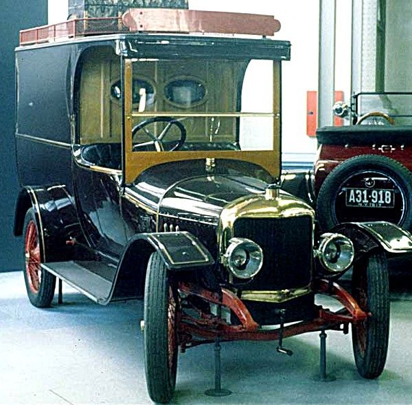 17 best ideas about voiture utilitaire on pinterest camion utilitaire amenagement utilitaire. Black Bedroom Furniture Sets. Home Design Ideas